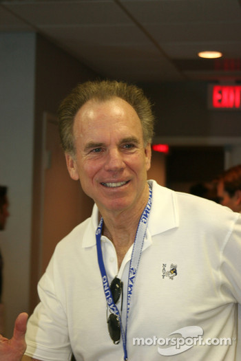 Pro Football Hall of Fame and Dallas Cowboy Quarterback Roger Staubach