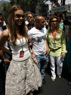 Simone Abdelnour and Roberto Carlos