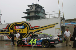 A rainy Gasoline Alley
