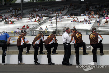 UPS Ford crew members watch practice