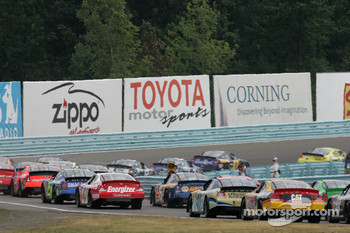 The field heads to the esses