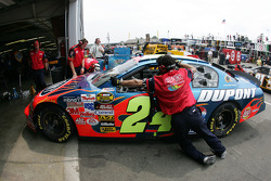 Jeff Gordon back in the garage