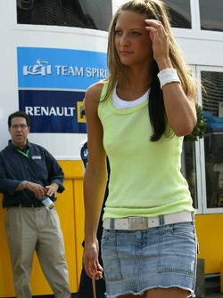 A girl who arrived at the track with Christian Klien