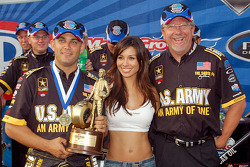 Tony Schumacher and crew chief Alan Johnson with the Toyo Tire girl