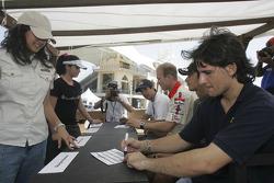 Autograph session: Giorgio Pantano