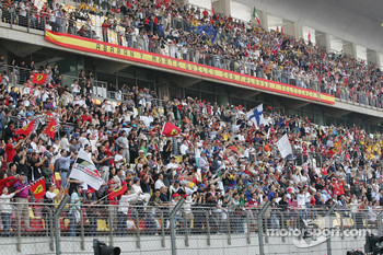 Shanghai fans ready for the race
