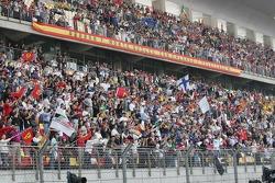 Shanghai fans ready for the race