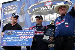 Greg Anderson celebrates his 2005 Pro Stock division champion win at the 5th Annual ACDelco