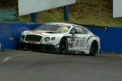 #8 Flying B Motorsport Bentley Continental GT3: David Brabham in a crash