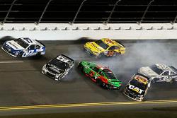 Brian Scott, Richard Childress Racing Chevrolet, Ryan Newman, Richard Childress Racing Chevrolet, Danica Patrick, Stewart-Haas Racing Chevrolet in trouble