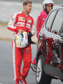 Sebastian Vettel, Ferrari returns to the pits after spinning off the circuit