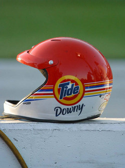 Crew member's helmet for Bobby Hamilton Jr.