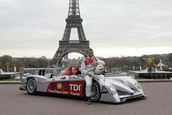 Tom Kristensen poses with the new Audi R10