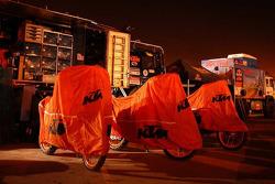 Team KTM service area