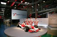 Präsentation: Toyota TF106