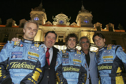 Heikki Kovalainen, Patrick Faure, Fernando Alonso, Flavio Briatore and Giancarlo Fisichella