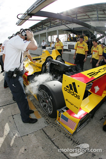A bit of smoke on the Penske Racing Porsche RS Spyder