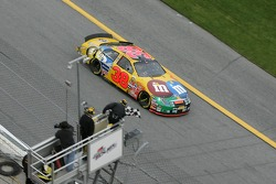 Elliott Sadler takes the checkered flag