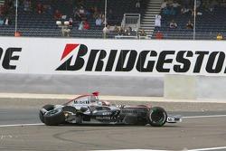 Kimi Raikkonen crashes