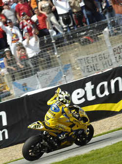 Valentino Rossi salutes the fans