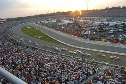 Start of the Crown Royal 400