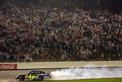 Jimmie Johnson burns out after winning the NASCAR Nextel Cup Series All-Star Challenge