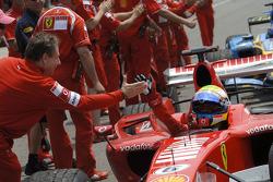 Jean Todt congratulates Michael Schumacher