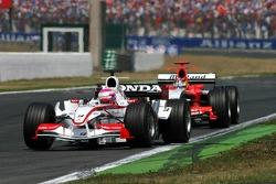 Franck Montagny leads Tiago Monteiro