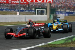 Kimi Raikkonen leads Giancarlo Fisichella