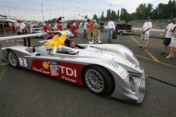 Audi Sport North America crew takes the Audi R10 to pitlane