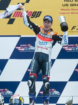 Nicky Hayden celebrates his victory