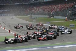 Start: Jenson Button, Pedro de la Rosa and Rubens Barrichello