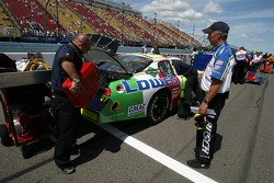 Lowe's Chevy crew members at work
