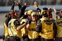 Crew members for Matt Kenseth celebrate on pit road
