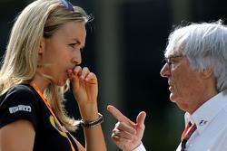 Carmen Jorda, Lotus F1 Team e Bernie Ecclestone,