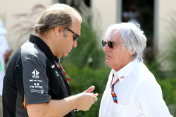 Robert Fernley, Sahara Force India F1 Team waarnemend teambaas en Bernie Ecclestone