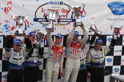 LM P1 podium: Chris Dyson, Guy Smith, Allan McNish, Rinaldo Capello, Butch Leitzinger, James Weaver