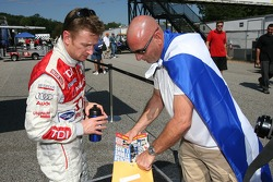 Allan McNish and a fan from Scotland