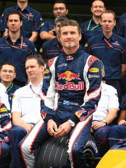 Red Bull Racing team photo: David Coulthard