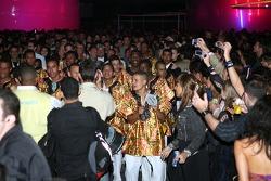 A Samba band and visitors