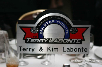 Center piece at Terry Labonte's table