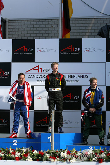 Top 3 finishers of race 2: Nico Hulkenberg(2nd, left) and Ryan Briscoe
