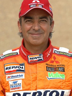 Team Repsol Mitsubishi Ralliart presentation in Paris: Gilles Picard