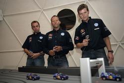 Volkswagen Motorsport test at Strandkai Beach Resort, Hamburg: Giniel de Villiers, Kris Nissen, Dirk von Zitzewitz have fun with slotcars