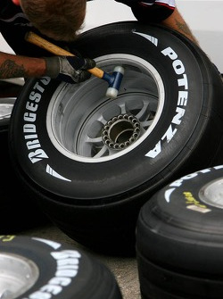Bridgestone tyre feature