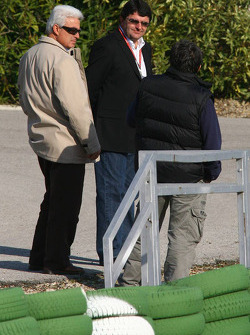 Luis Garcia Abad, manager to Fernando Alonso, with the father of Fernando Alonso