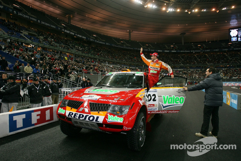 Stéphane Peterhansel in the Mitsubishi Pajero / Montero Evolution