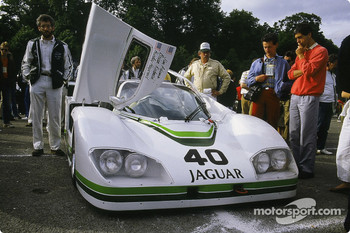 #40 Jaguar Group 44 Jaguar XJR 5: Brian Redman, Hurley Haywood, Jim Adams