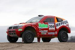 Team Repsol Mitsubishi Ralliart test in France: Hiroshi Masuoka and Pascal Maimon