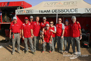 Team Dessoude drivers and team members pose